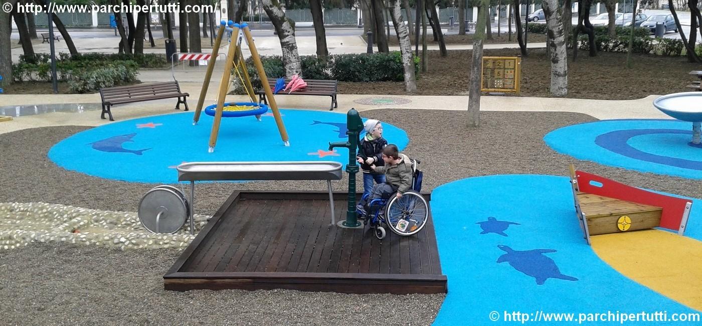 Cosa accade al parco inclusivo: mamma Elvira