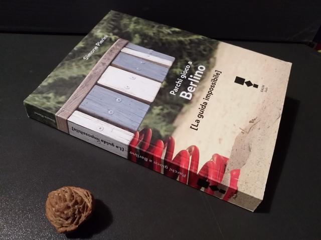 Consiglio di lettura: Parchi gioco a Berlino – Simone Pierini