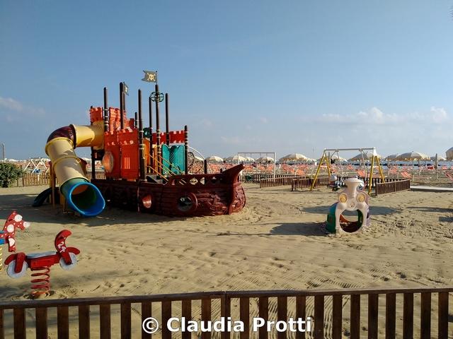 """Parco """"inclusivo"""" su sabbia…"""